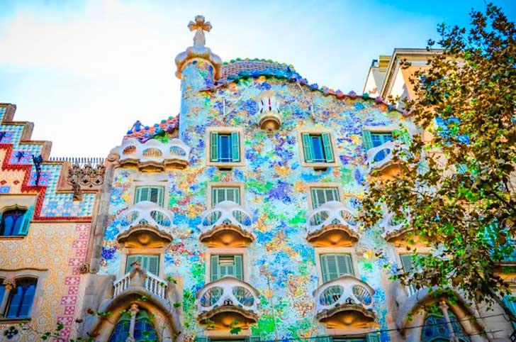 Foto_10 edificios hermosos llenos de color en el mundo_1