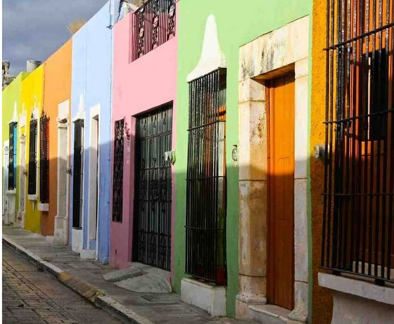 Descubre 10 edificios más hermosos llenos de color en el mundo